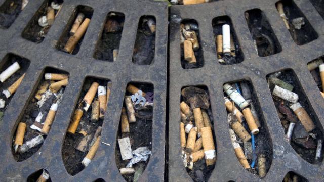 A-Paris-jeter-son-mégot-de-cigarette-par-terre-vous-coûtera-désormais-68-euros